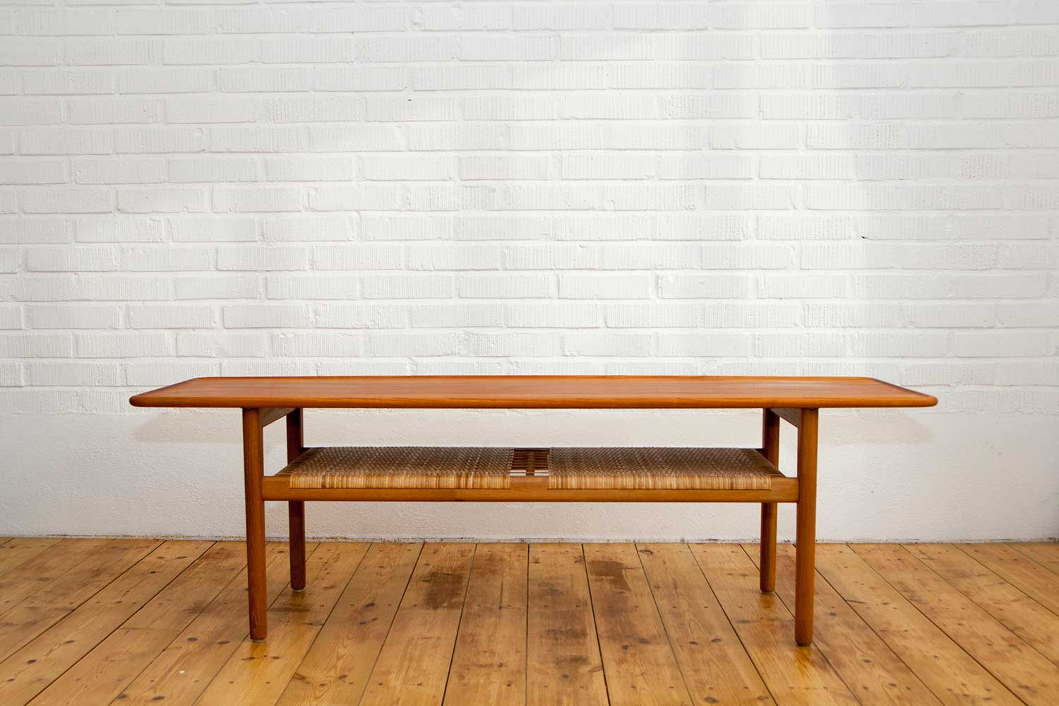 Hans J Wegner A 10 Table Scandinavian Design Amp Exclusive Furniture