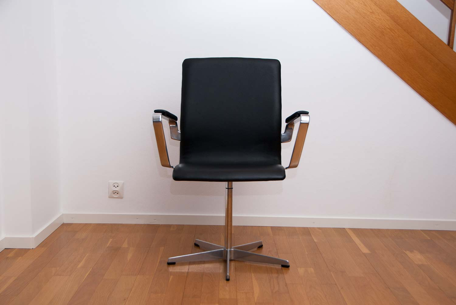 Arne Jacobsen Oxford Chairs Scandinavian Design & exclusive furniture