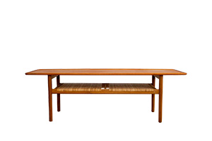 Hans J. Wegner A-10 table